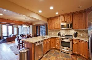 Park City Vacation Rental - Kitchen with Granite & Stainless