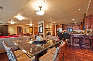Park City Condo Rental - Dining Area Seats 12