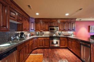Park City Condo Rental - Designer Kitchen with Granite & Stainless Steel