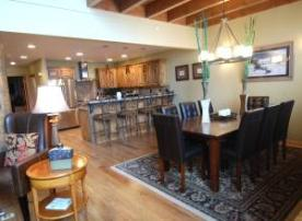 Deer Valley Vacation Rental - Dining to Kitchen View