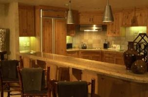 Vacation Rental at the Grand Summit at The Canyons - kitchen