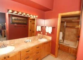 Deer Vacation Rental - Master bath