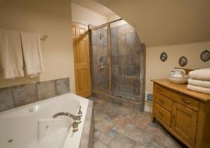 Park city Vacation Property - Upstairs Bath